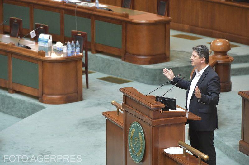 Titus Corlățean, a törvényt kidolgozó PSD-s szenátor